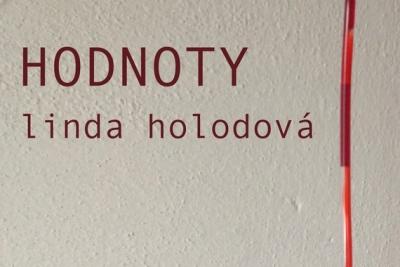 Hodnoty Lindy Holodovej na výstave v Jelšave