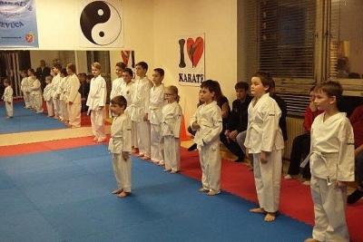 Karate Klub Revúca zorganizoval pre svojich cvičencov skúšky technickej vyspelosti