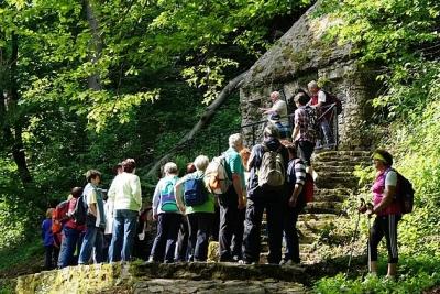 Turistické Potulky Vlachovom a po okolí absolvovalo vyše 120 seniorov okresu Rožňava