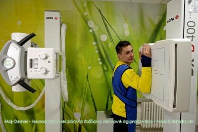Ambasádormi nového röntgenového pracoviska Nemocnice Svet zdravia sa stali futbalisti z MFK Rožňava