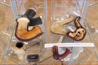 Unikátna výstava historických fajok z hliny, dreva, morskej peny a z porcelánu