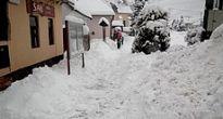 Sneh začal padať v pondelok aj v Muránskej Dlhej Lúke, a čo potom?
