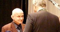 Lekár Ivan Engler, nositeľ Nobelovej ceny za mier je aj čestným občanom mesta Hnúšťa
