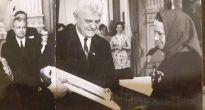 Bývalej dobrovoľnej sanitárke Helene Mišurdovej z Rakovnice udelia Cenu obce, in memoriam a odhalia jej pamätnú tabuľu