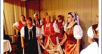 Prejav úcty k starším v Rochovciach potešil tak seniorov, ako aj účinkujúcich