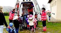 Deti z Rudnej s nadšením očakávali príchod záchranárov do ich materskej školy