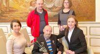 Medaila 75. výročia víťazstva vo Veľkej vlasteneckej vojne zdobí aj hruď 92-ročného veterána Artúra Szobonyu