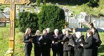 Pred Pamiatkou zosnulých vysvätili na cintoríne v Honciach nový kríž