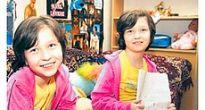 Naše siamské dvojičky, Andrejka a Lucka Tóthové z Krásnohorskej Dlhej Lúky, majú dnes dvanásť rokov