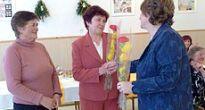 Slavošovskí učitelia nezabudli na kolegov dôchodcov