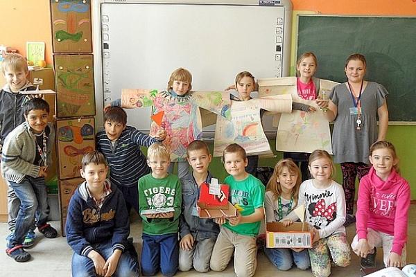 Vškolskom klube detí počas mesiaca knihy spoločne spoznávali dobrodružstváRobinsona Crusoa