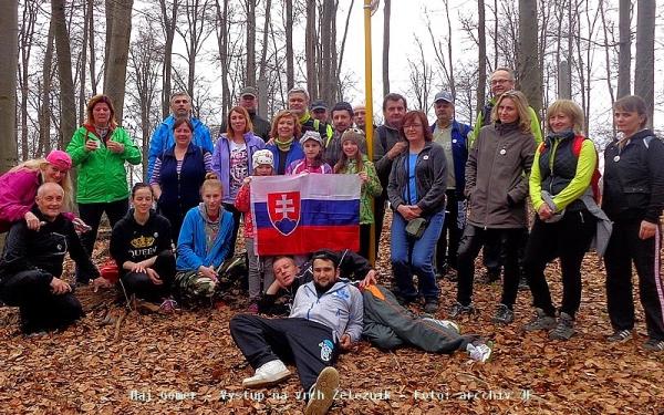 Sirkovanci vystúpili v prvú aprílovú sobotu na vrch Železník