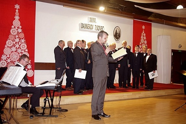 Vydarený 36. ročník regionálnej prehliadky speváckych zborov dospelých Daxnerov Tisovec