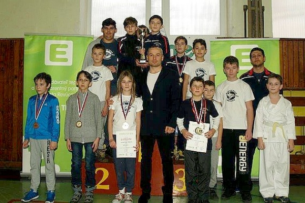 Vianočný turnaj 2016 Karate klubu Revúca dal prednosť najmä deťom