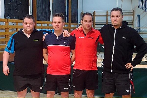 Víťazstvo v stolnotenisovom turnaji o Pohár starostu obce Gemerská Poloma tohto roku patrí Erikovi Illášovi