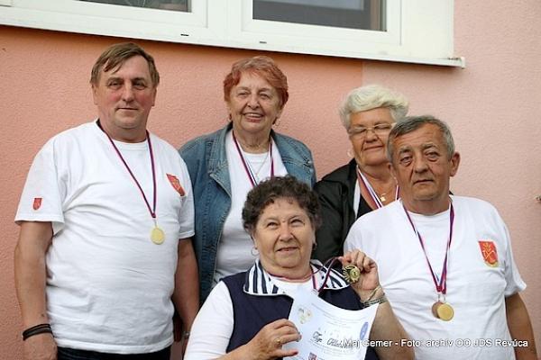 """IV. ročník """"Okresných olympijských športových hier seniorov okresu Revúca"""" sa uskutočnil v športovom areáli ZŠ v Muráni"""