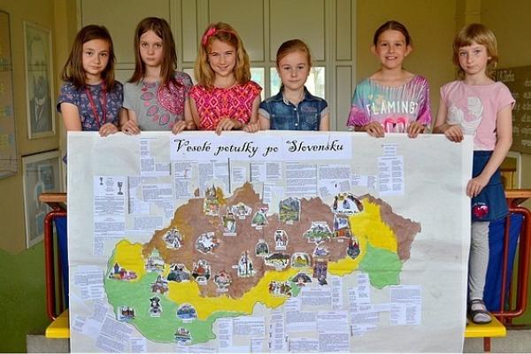 Naša obrázková mapa výletov zdobí nástenku v škole