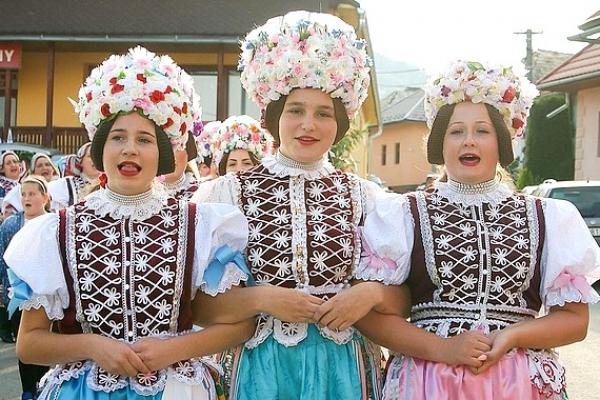 Priaznivcov spevu a hudby pozývame do Krásnohorskej Dlhej Lúky na spevácky workshop