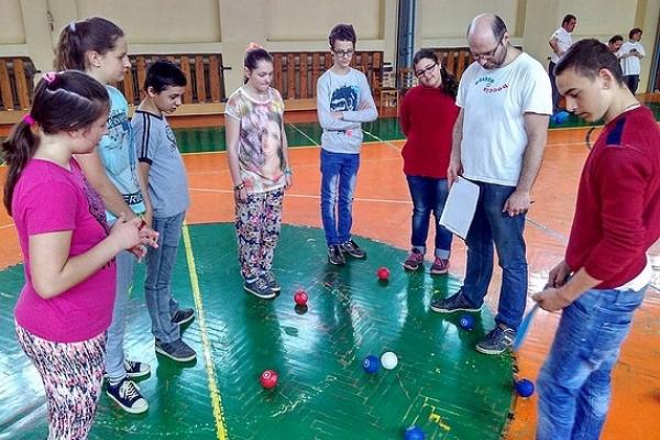 Prezentácia paralympijského športu boccia na Základnej škole Zlatá v Rožňave