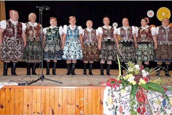 Kysak bol rozospievaný prehliadkou speváckych skupín seniorov Košického kraja