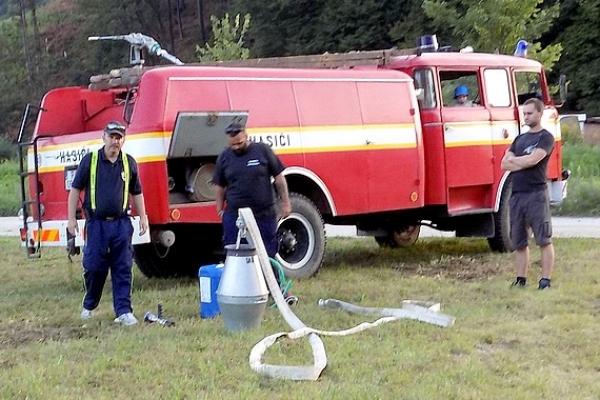 Požiarno-asistenčná hliadka členov DHZ z Jelšavy v Revúcej