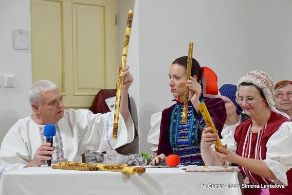 Jarné a veľkonočné zvyky z Gemera zachovávané folklórnou skupinou Lehoťanka