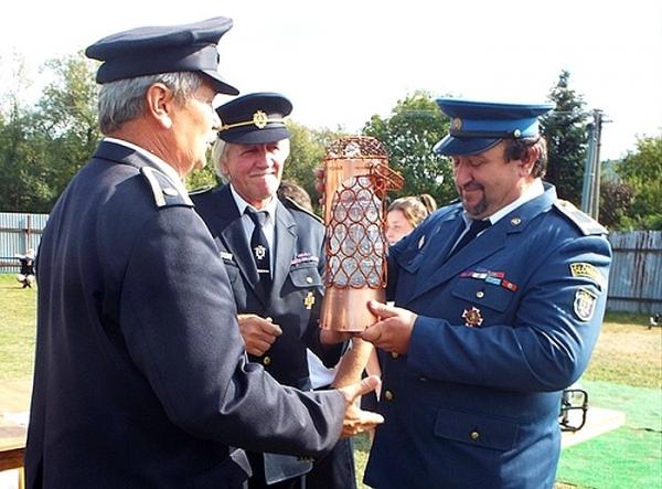 Putovný Gemerský pohár 2018 si vysúťažili dobrovoľní hasiči okresu Rimavská Sobota