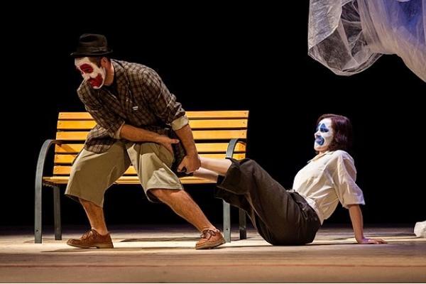 Ochotnícky divadelný súbor Rev odohral predpremiéru hry Čakanie na Godota