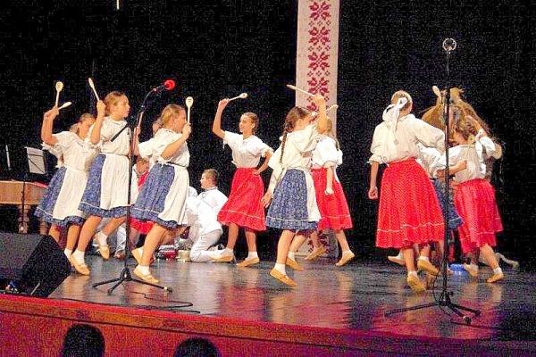 Zorganizovali desiaty ročník festivalu detských folklórnych súborov pod názvom Gemerská podkovička