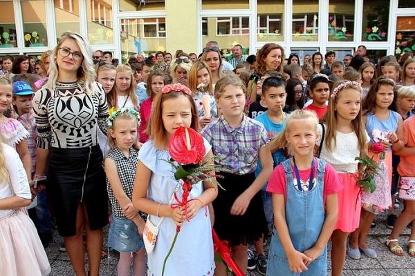 Slávnostné otvorenie nového školského roka aj v ZŠ J. A. Komenského v Revúcej