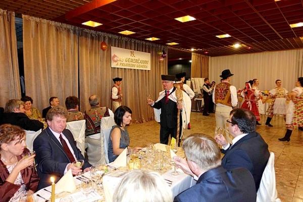 Jubilejný ples Spoku Gemerčanov pod Vysokými Tatrami aj tentoraz v znamení udržiavania tradícií, zvykov a obyčají