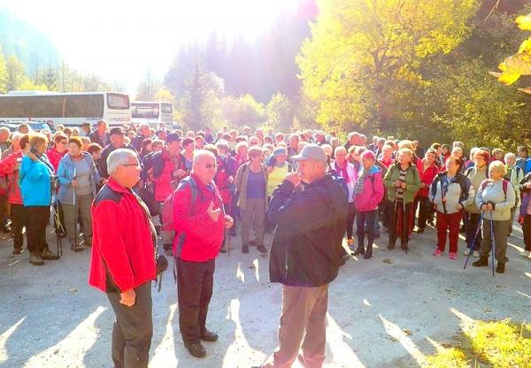 Seniorská turistika lákala trasou Stratenský kaňon - Stratenská píla - Dedinky