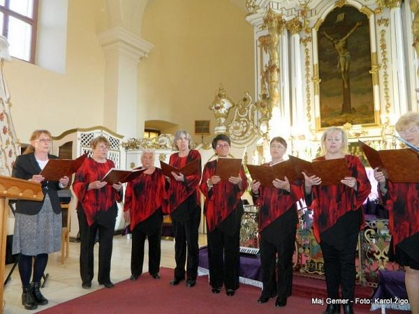 Seniorálna prehliadka cirkevných spevokolov v Revúcej