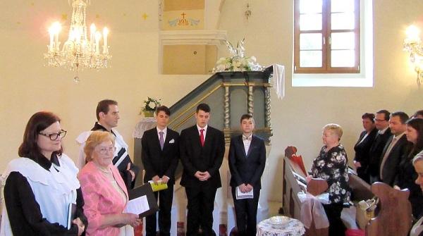 Slávnosť konfirmácie v Evanjelickom a. v. kostole v Rožňavskom Bystrom