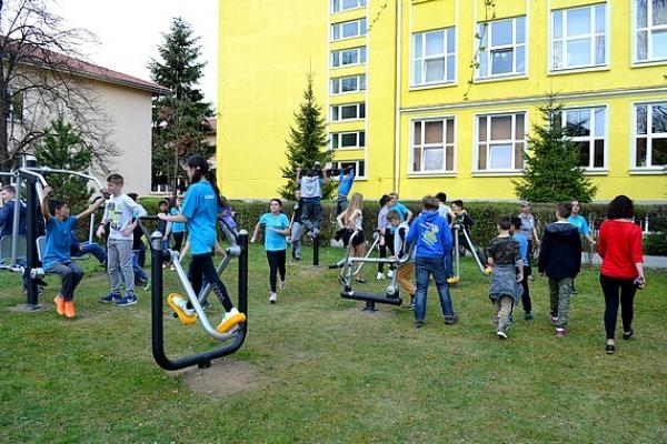 Slávnostné otvorenie exteriérového fitness parku v Revúcej