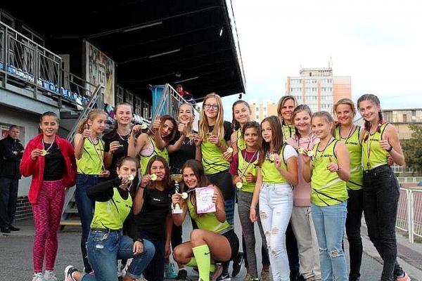 Dievčatá zo ZŠ J. A. Komenského si vybojovali titul Majsteriek VsAZ