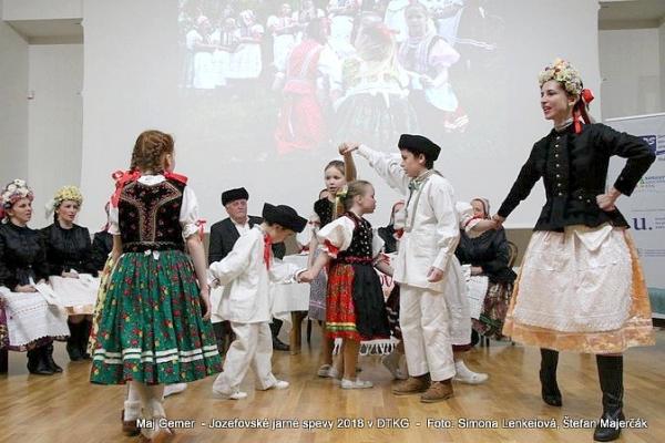 Na prvom jarnom folklórnom večere zazneli jozefovské spevy a ďalšie jarné zvyky a obyčaje z Vlachova