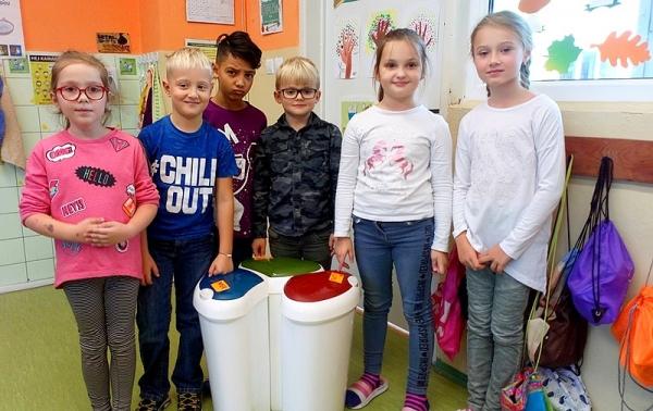 V základnej škole J. A. Komenského zbierame a triedime odpad