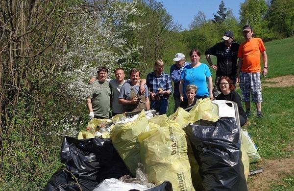 Pridali sa aj Sirkovanci a zorganizovali čistenie potoka Východný Turiec a jeho okolia
