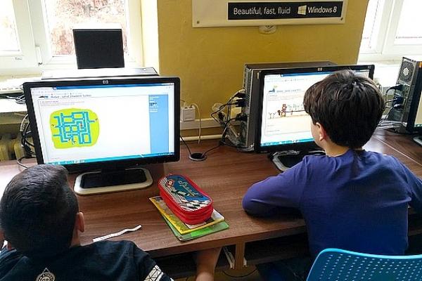 Zocháči súťažili v medzinárodnej informatickej súťaži iBobor
