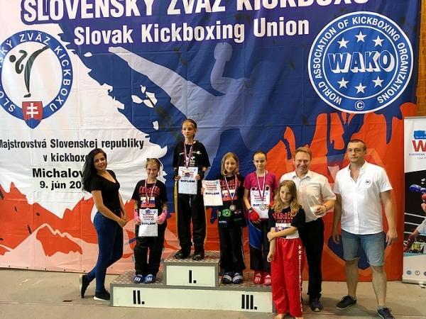 Tri tituly z Majstrovstiev Slovenskej republiky 2018 v kickboxe aj do Revúcej