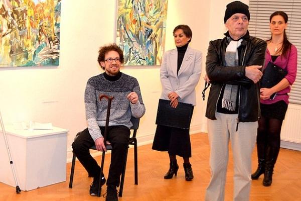 V Rožňave oficiálne otvorili výstavu akademického maliara Rolanda Neupauera pod názvom Internácia