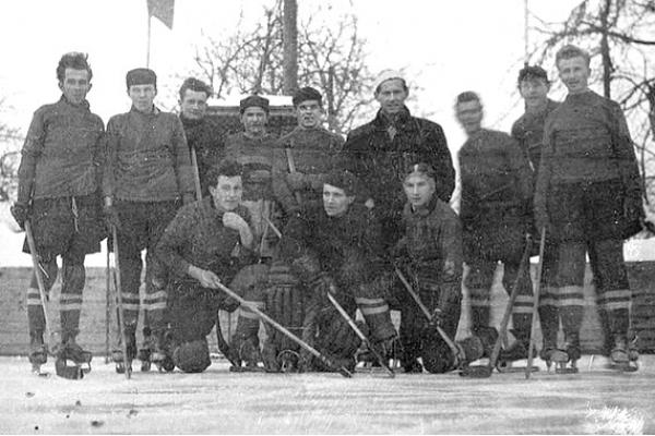 Marian Slavkay: Ako sa rodili krtkovia - Krtkovia hrajú hokej (7)