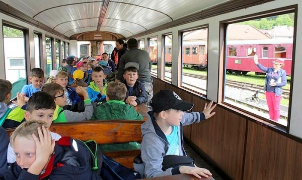 Naša cieľová zastávka bola dedinka v srdci Národného parku Nízke Tatry Bystrá