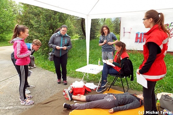 Okresné kolo Súťaže mladých záchranárov civilnej ochrany II. stupňa v Rožňave aj za účasti družstva z Budapešti