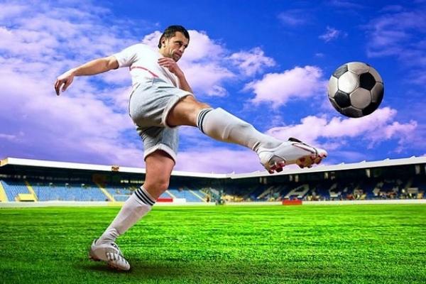 Dobšinčanom uleteli futbalové tri body v Turni nad Bodvou spred nosa