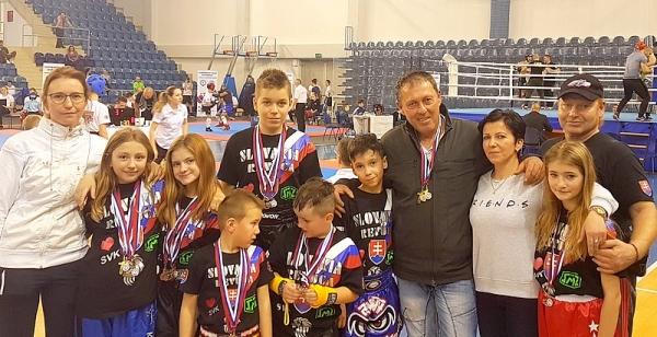 ŠportovciKickbox Leon Revúca si z Popradu doviezli osemnásť medailí