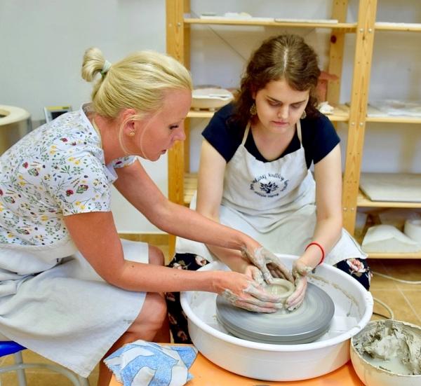 Jana Valková, prvá stážistka v Remeselníckom inkubátore Gemer hodnotí svoje skúsenosti a zážitky