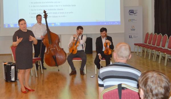 Piesne zo Spiša v Dome tradičnej kultúry Gemera predstavila Marcela Maniaková