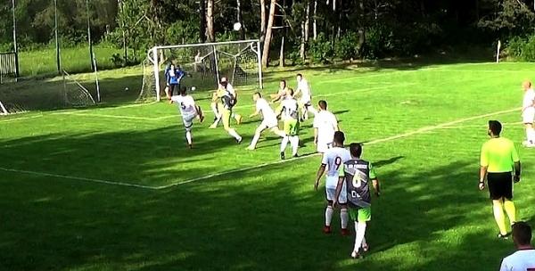Až posledné kolo 7. futbalovej ligy rozhodne o tom, či postúpi FK Plešivec, alebo MFK Dobšiná B